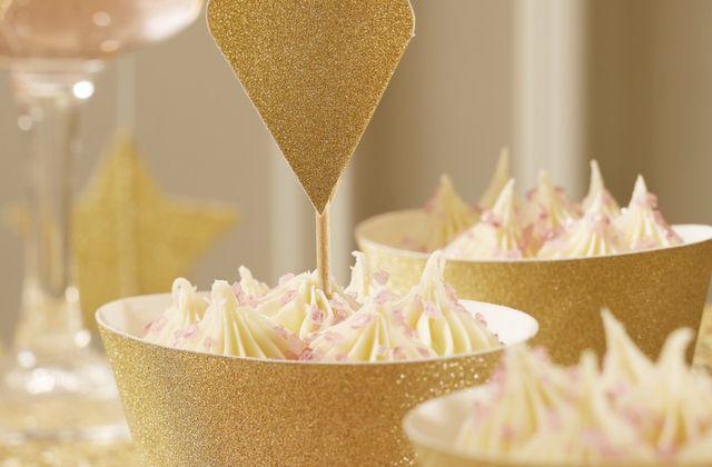 Comment décorer ces cupcakes pour un mariage?