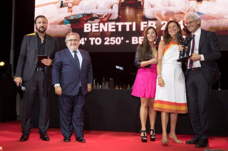 Stéphane Guedj (Yacht France), Gérard Lachkar (AGL Awlgrip), Francesca Ragnetti (Benetti Trade Marketing Manager), Giovanna Vitelli (Azimut-Benetti Board member) and Vincenzo Poerio (Benetti CEO), at the Award ceremony in Cannes
