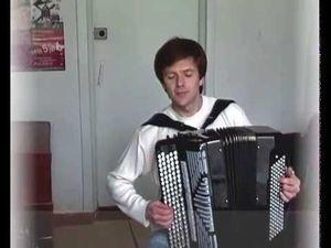 sergey neverov, un vituose de l'accordéon ukrainien qui dépoussière cet instrument par ses interprétations d'airs classiques
