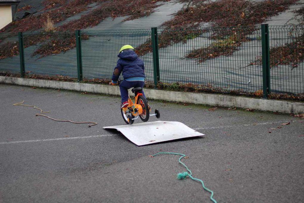 A vélo les petits...