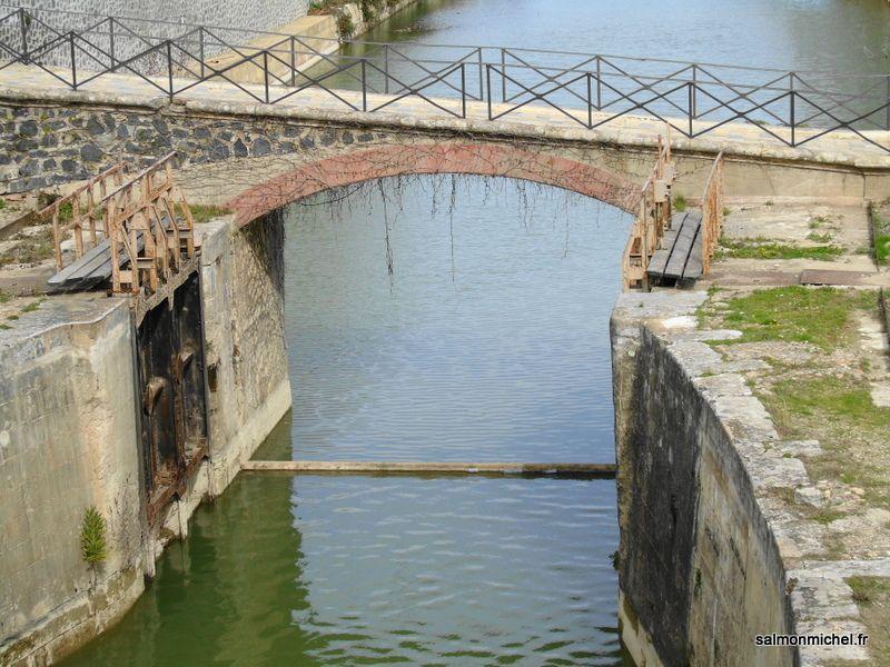 Canal du midi - Site de Fonsérannes à Béziers