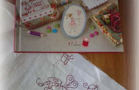 BRODERIE SURPRISE...