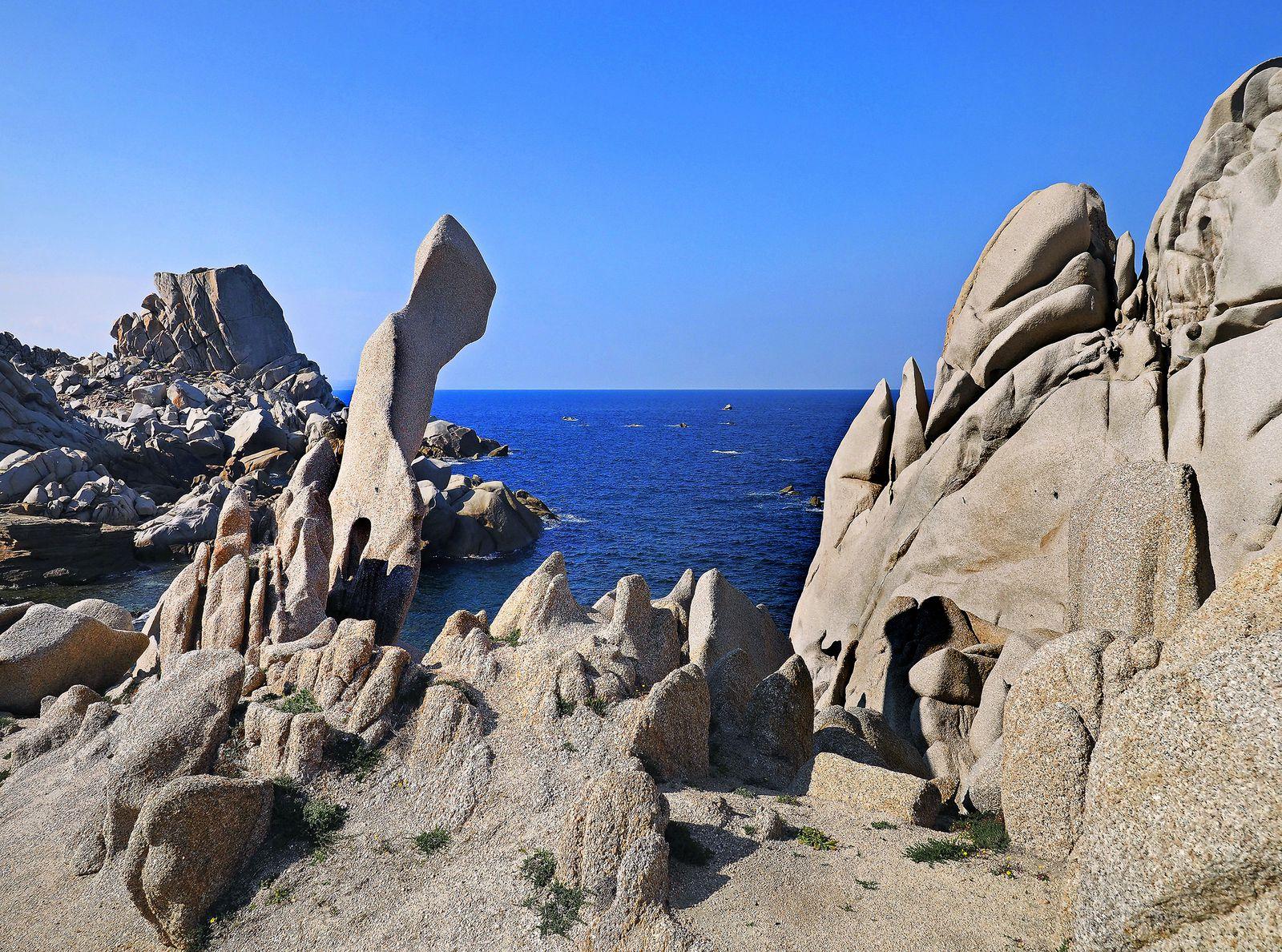 Au capo Testa, un festival psychédélique de granit (voir le lien ci-dessous).