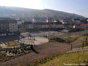 Parc communautaire et parking à Algrange en 2015