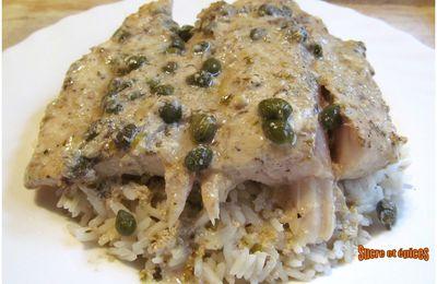 Filets de perche aux anchois et câpres, sauce au yaourt