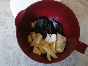 Entremet chocolat blanc,caramel,crunchy
