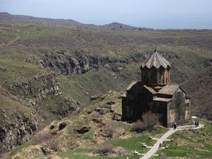 Armenia - Amberd Fortress and Vahramashen Church dominate  two valleys - one click to enlarge - photos © Bernard Duyck 2019