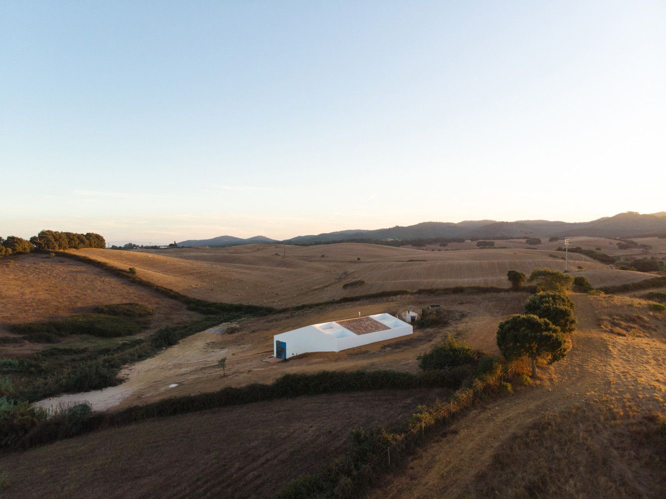 CERCAL HOUSE BY ATELIER DATA IN ALENTEJO, PORTUGAL