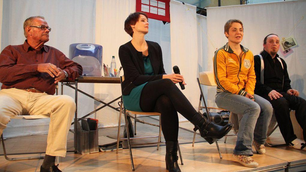 """Gymnasium Veitshöchheim: Aufführung """"Alkohölle"""" des Theaters Witten beeindruckte 130 Neuntklässler"""