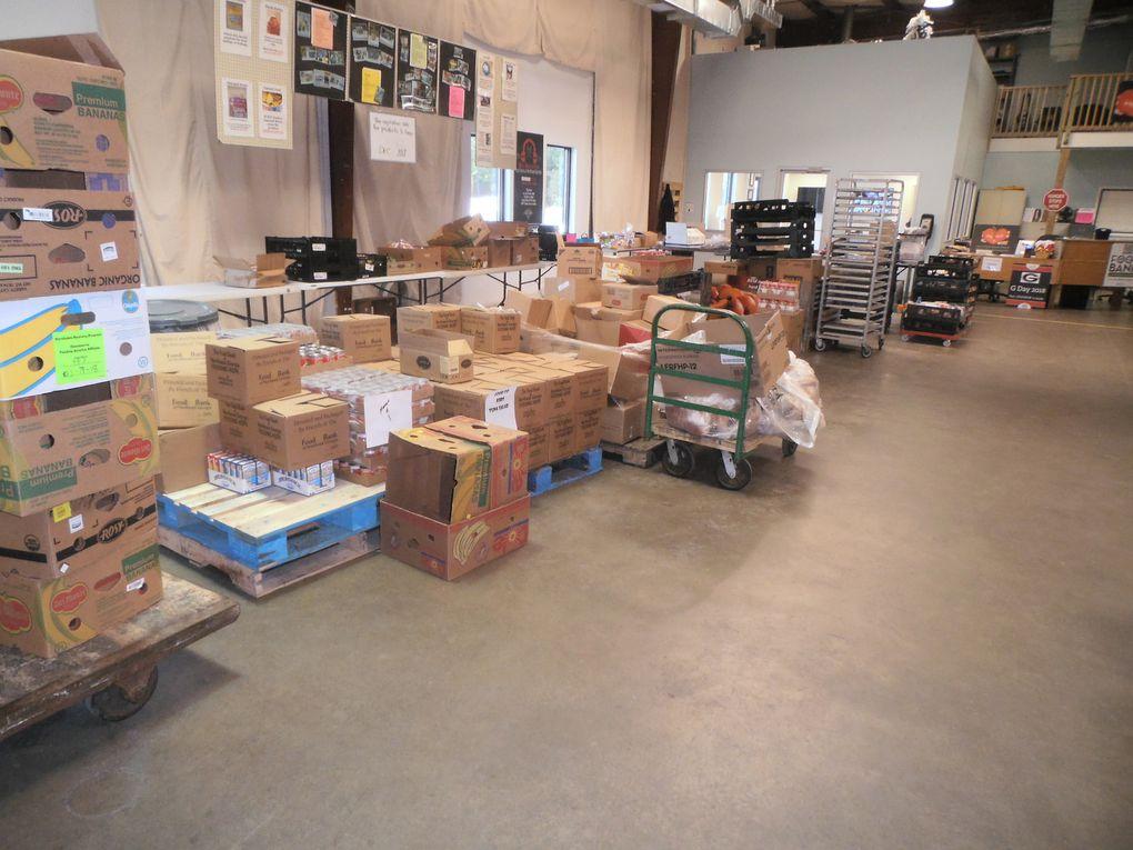 Ils participent à la préparation de colis, au collectage des produits, au tri des produits arrivant... « Sans eux, les différents programmes de dons ne pourraient se faire ! », nous déclare Bill.