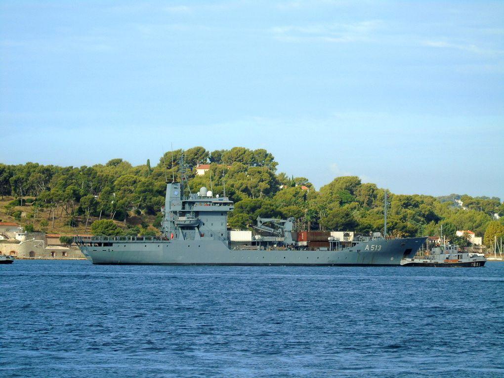 RHEIN A513 , navire ravitailleur de la marine allemande  , arrivant à Toulon le 13 septembre 2018