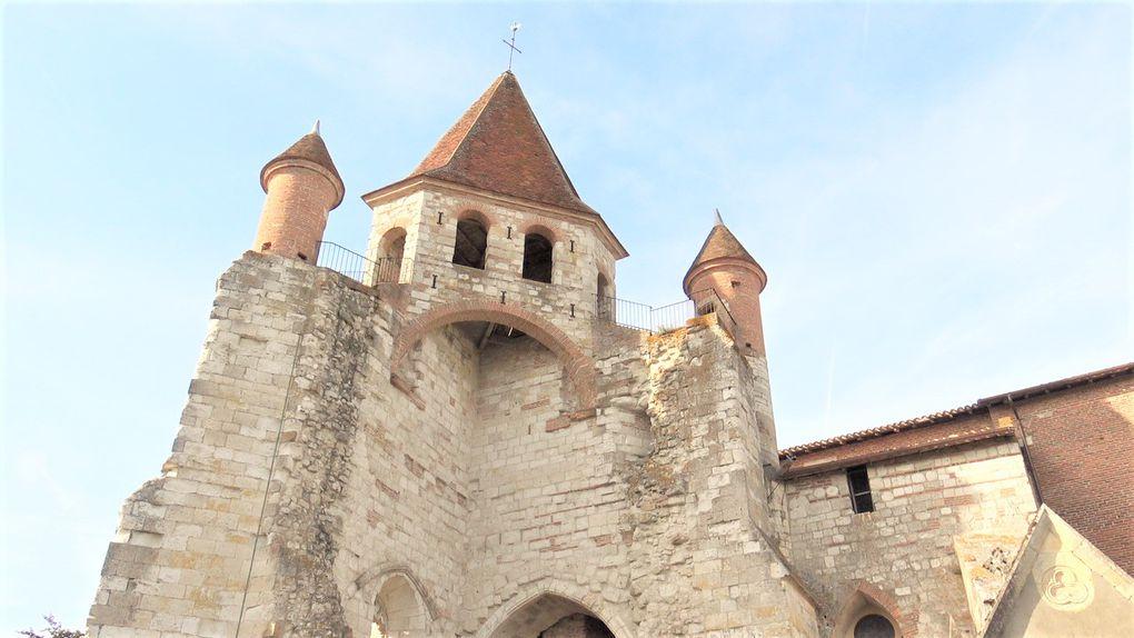 Le clocher restauré par Théodore OLIVIER au 19ème siècle