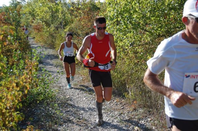 photos du semi marathon, passage sur la digue de la Dröme