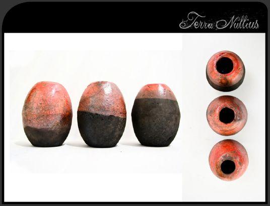 Trois petits vases
