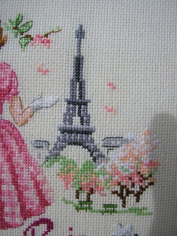 """Torchon """"Un jour à Paris au printemps"""" et""""en automne"""" des Brodeuses Parisiennes"""