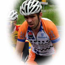 Fabien Fraissignes remporte la Ronde du Sel à Salies de Béarn-150 coureurs ont participé à cette belle classique Béarnaise….    La Ronde du Sel à Salies de Béarn (64)  Epreuve ouverte aux coureurs juniors, séniors 2ème, 3ème catégorie, PC Open + 1ère catégorie hors division nationale.  Organisation: VC Salisien  Victoire de Fabien Fraissignes (VS Narbonnais) - (Guy DAGOT - SudGironde-Cyclisme)