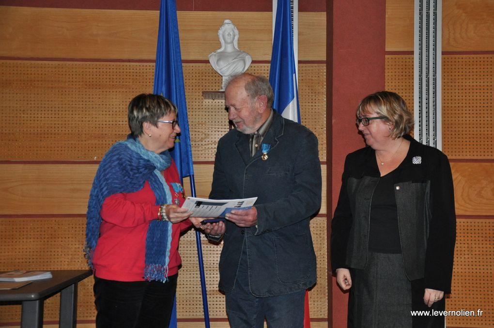 Remise des médailles de la Jeunesse, des sports et de l'engagement associatif à la Préfecture d'Evreux