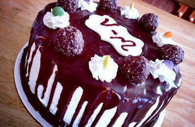 Drip cake citron vanille pour l`anniversaire de Vince