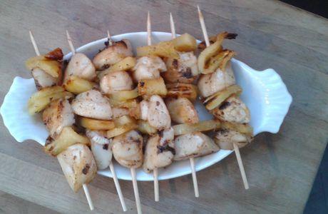 Brochettes de Saint Jacques et ananas pour un apéro chic