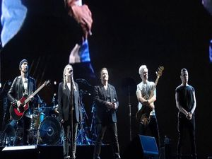 "Patti Smith qui rejoind U2 pendant ""Mothers Of The Dissapeared"""