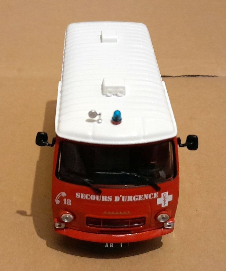 Peugeot J7 Ambulance de réanimation BSPP (Hachette-Collections)
