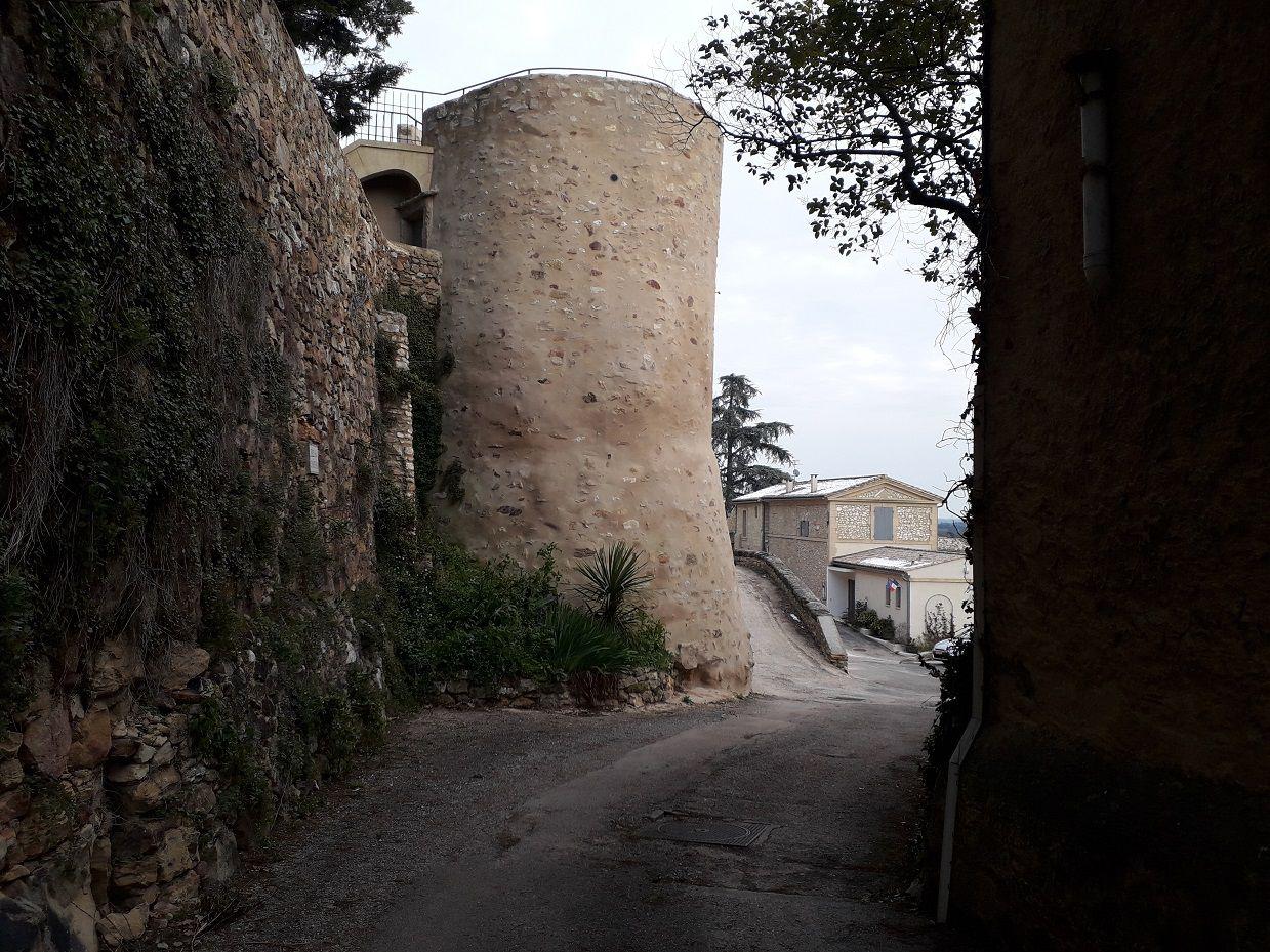 Randonnée entre La Bastide-d'Engras et St Laurent-la-Vernède (30).