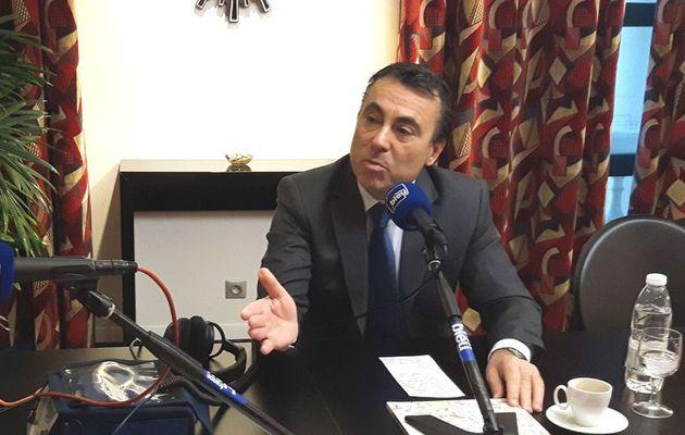 """Gilets jaunes : """"Le gouvernement doit annuler cette hausse des carburants"""" affirme Yves Foulon (LR)"""
