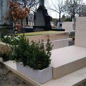 """La tombe du dessinateur Georges Wolinski, tué lors de l'attentat de """"Charlie Hebdo"""", a-t-elle été dégradée ?"""