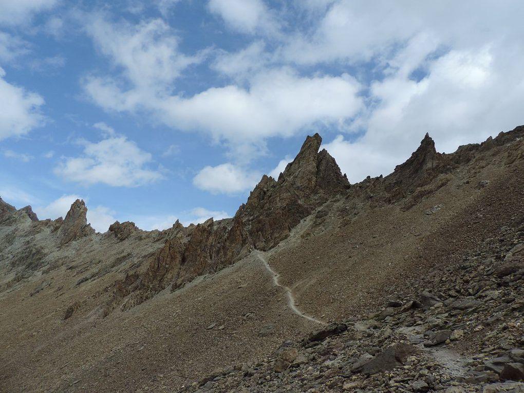 Lac des Béraudes Alt. 2504 m - Col des Béraudes Alt. 2778 m