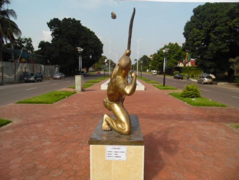 Quelques œuvres du sculpteur André Lufwa