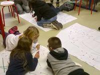 trame du conte et élèves gérant leur diagramme.