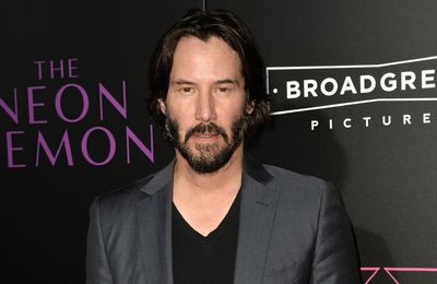 Keanu Reeves se bat contre le futur dans le film Replicas