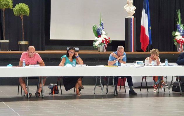 Conseil municipal au forum de Lascours