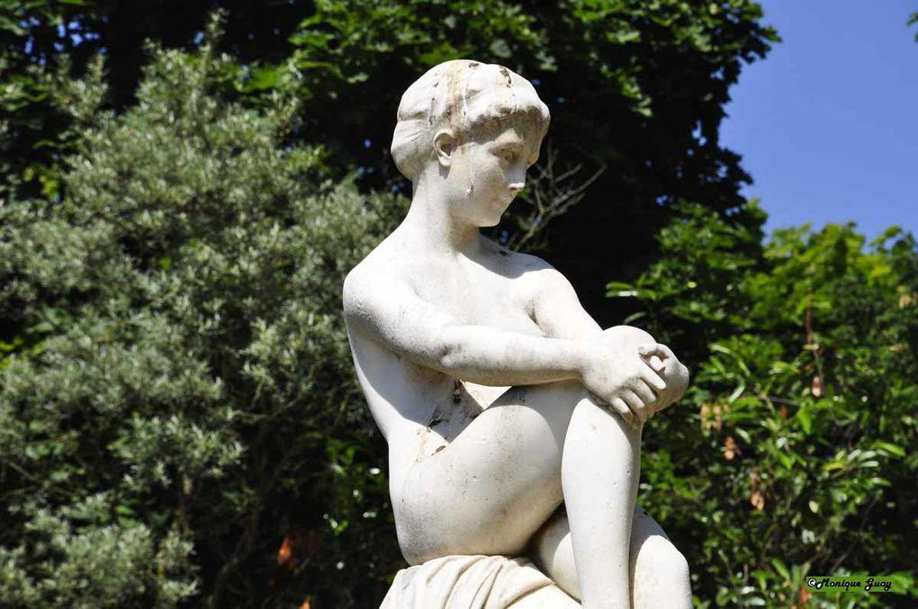 Sculptures prises au cours de mes déplacements et balades en France.