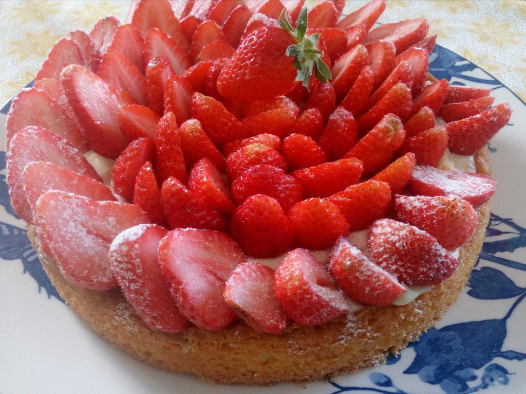 Tarte aux fraises 🍓 à la crème sur sablé maison