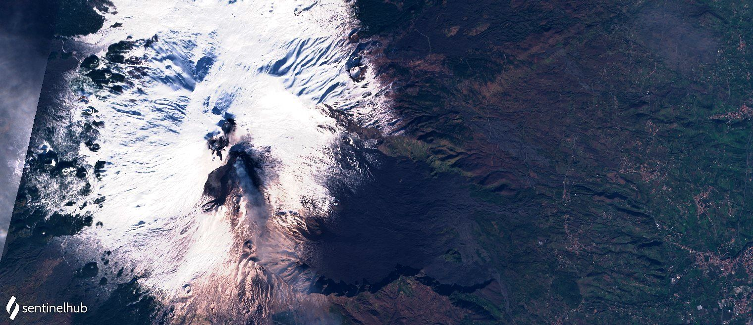 Etna - image Sentinel-2 L1C bands 4,3,2 nat. colors from 12/15/2020 - One click to enlarge