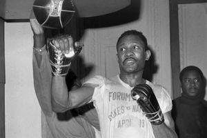 Former welterweight champion and Hall of Fame boxer Curtis Cokes dies at 82