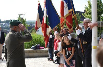 """Commémoration de l'appel du 18 Juin 1940 à Pontivy , 75ème anniversaire - """"la flamme de la résistance française ne doit pas s'éteindre et ne s'éteindra pas"""" Charles de Gaulle"""
