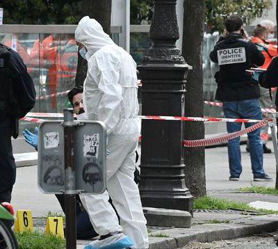 Fusillade à Paris : un homme mort, une femme blessée