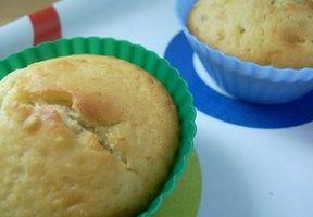 Des muffins au babeurre au coeur de crème de châtaigne et au coeur de confiture de fraise !