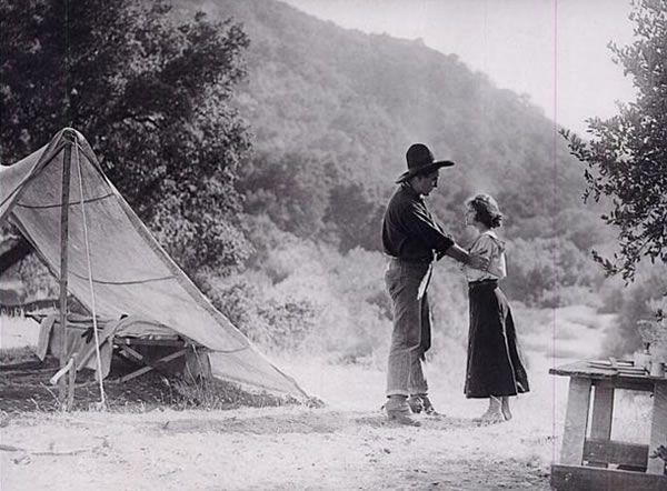 Scène du film Le Frère de Black Billy avec Harry Carey et Neva Gerber