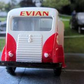 RENAULT GALION 2.5T BRASSEUR EVIAN 1/43 CIJ - car-collector.net