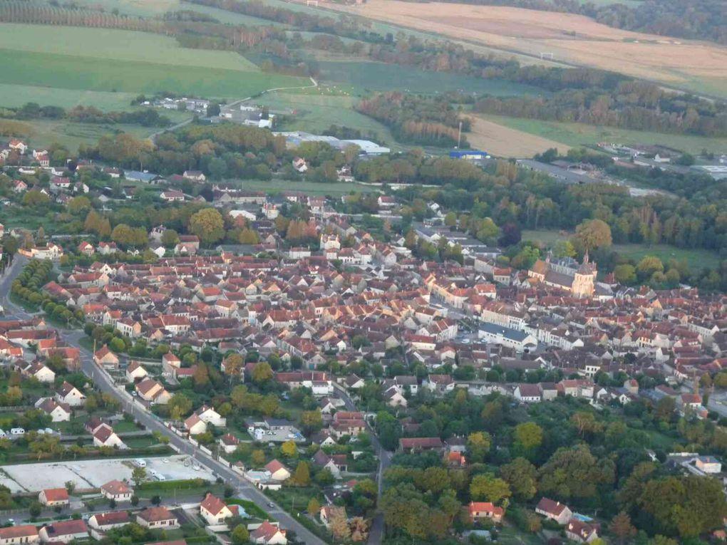 Brienon-sur-Armançon avec son château caché derrière l'église.