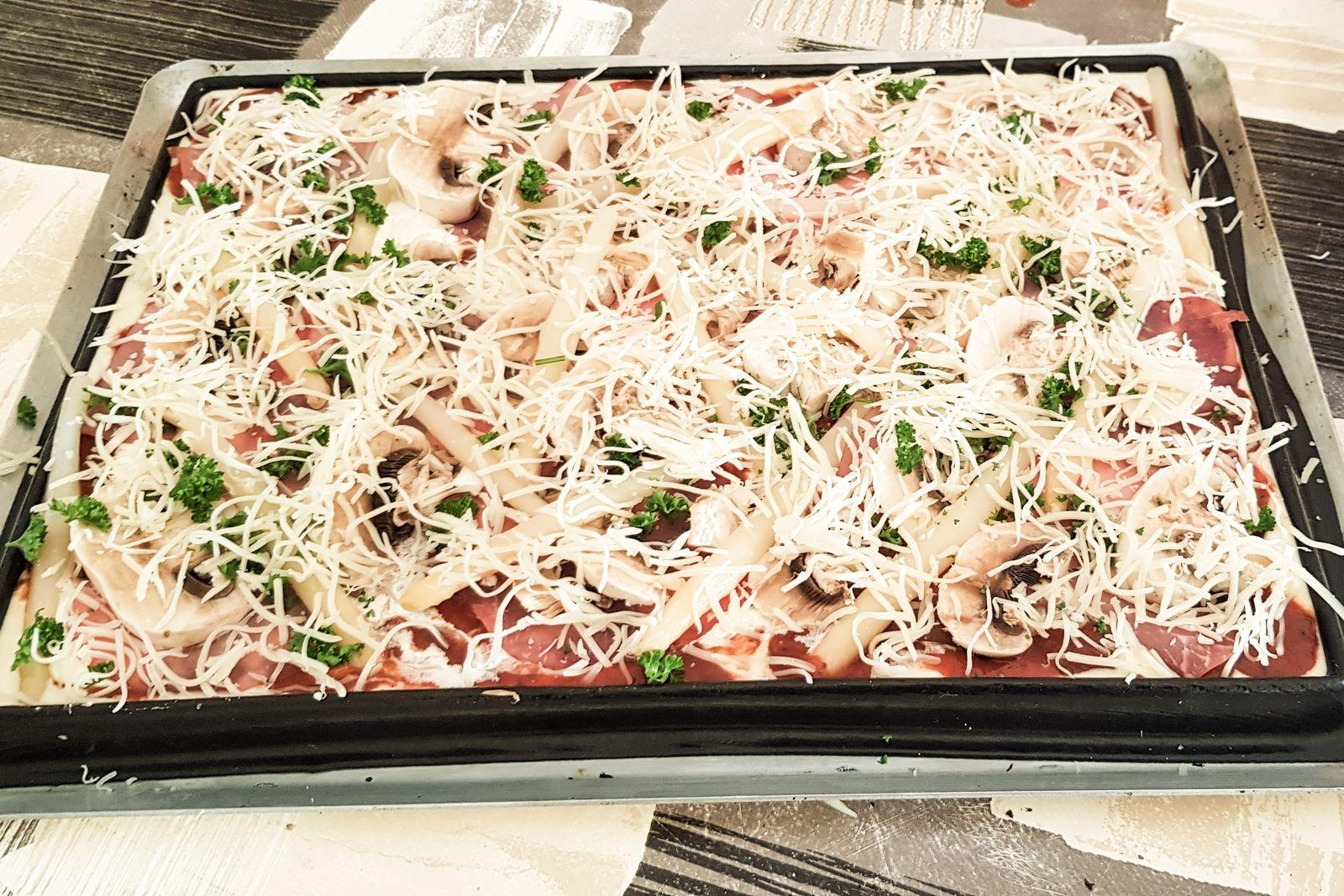 Pizza rapide / pâte à pizza liquide