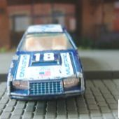 FORD MUSTANG TURBO COBRA 1/64 YATMING - car-collector.net