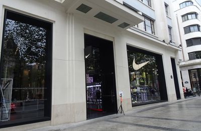 Retail Best Practices (14) : Nike House of Innovation Champs Elysées