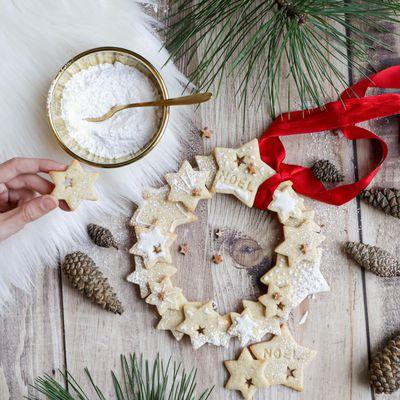 Couronne en biscuits de Noël
