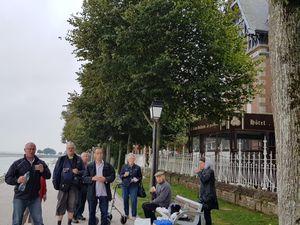 Premier jour : Saint Valery en Somme, pique nique, cité médiévale, l'herbarium des remparts, rues fleuries...et un brin de poésie...