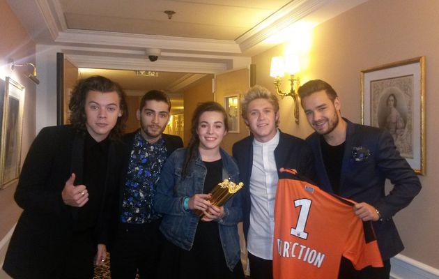 L'award du #meilleurfan des NRJ Music Awards décerné à Pauline, fan des One Direction