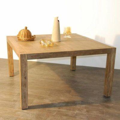 Comment choisir une table carrée ? dimensions, matériaux, utilisation